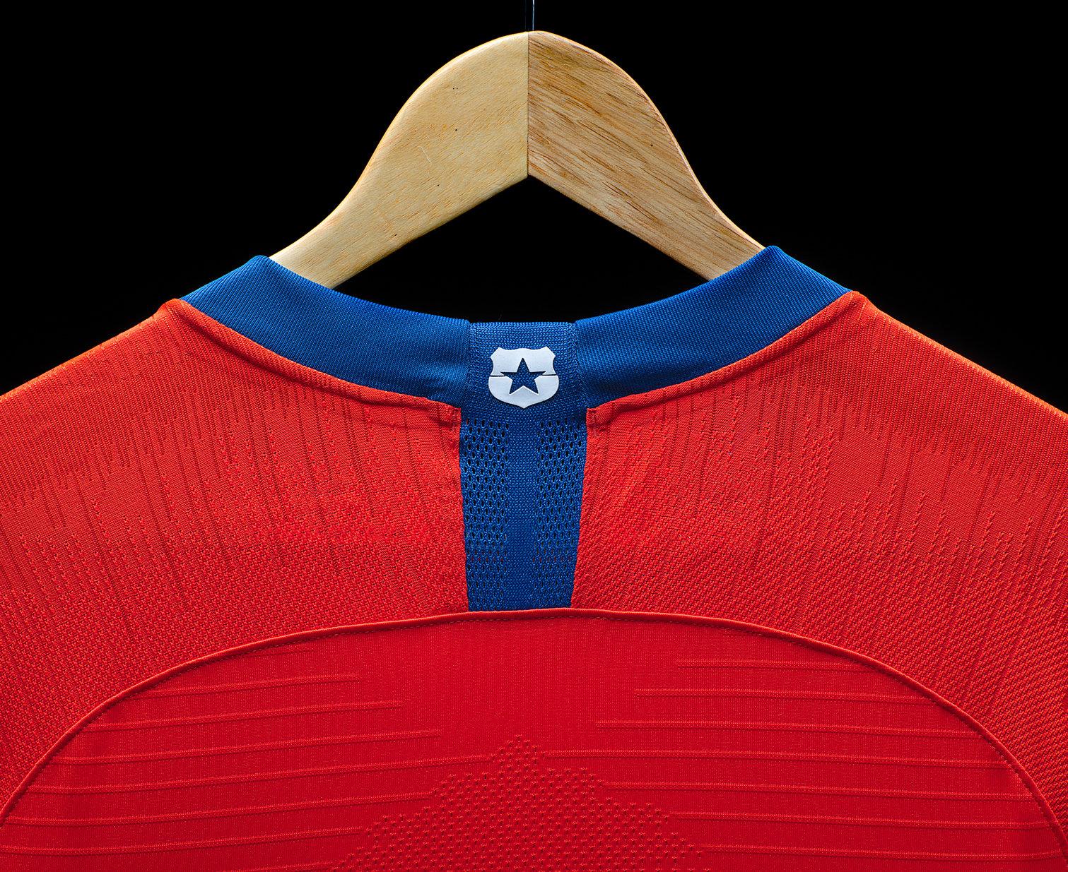 Camiseta titular 2018-2019 de Chile | Foto Nike