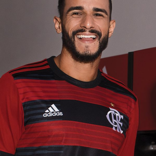 Nueva camiseta titular 2018 del Flamengo | Foto Adidas