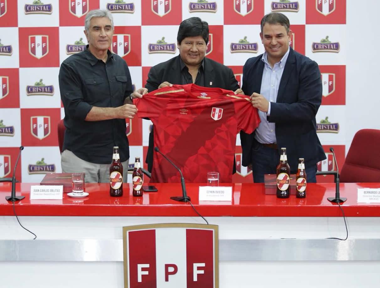 Tercera camiseta Umbro 2018 de Perú | Foto FPF
