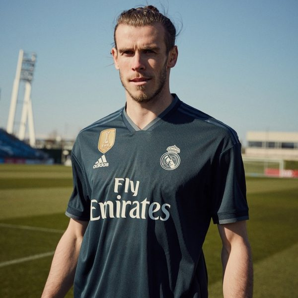 Bale con la camiseta suplente 2018/19 del Real Madrid | Imagen Adidas