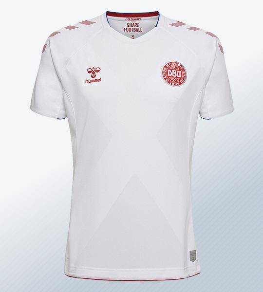 Camiseta suplente de Dinamarca Mundial 2018 | Foto Hummel