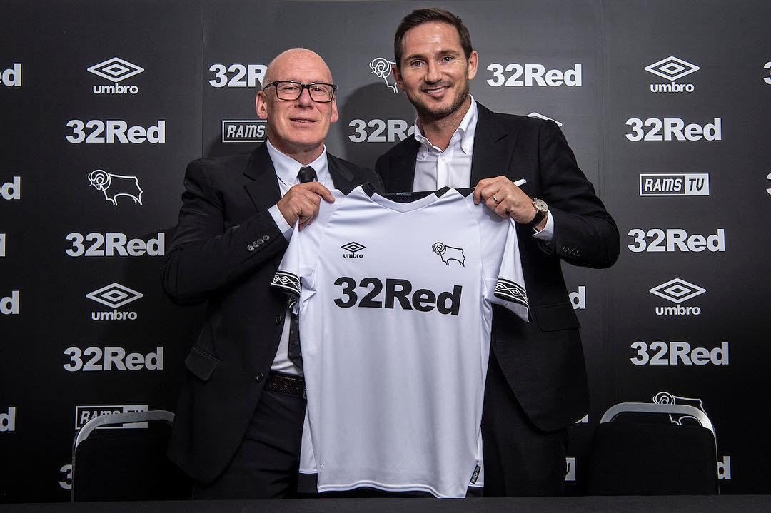 Camiseta titular Umbro 2018/19 del Derby County | Foto Web Oficial