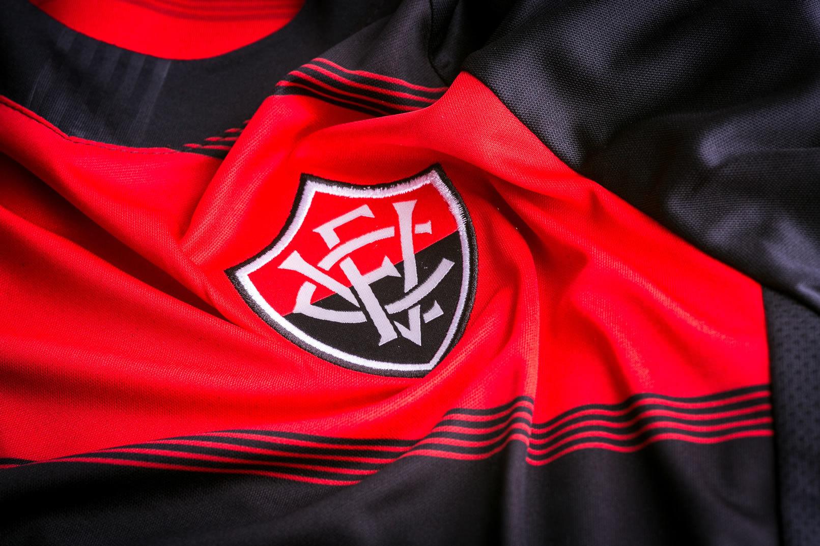 Camiseta titular del EC Vitória 2018-19 | Imagen Gentileza Topper
