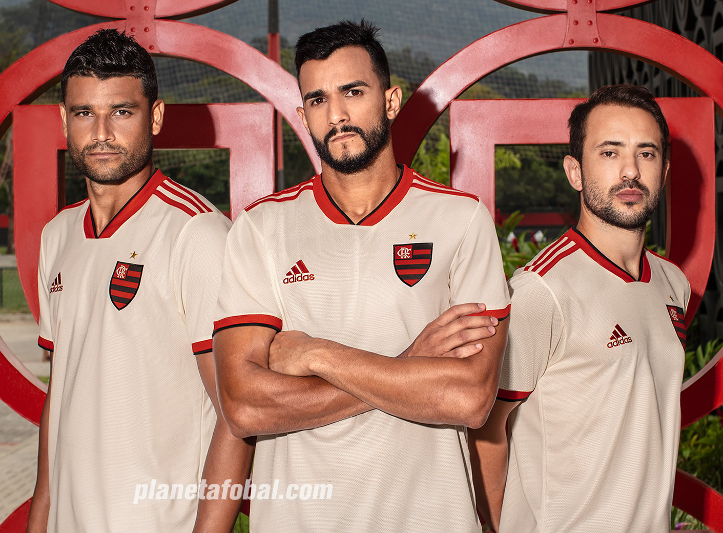 Camiseta suplente Adidas del Flamengo 2018 19  55bf29691c7c3