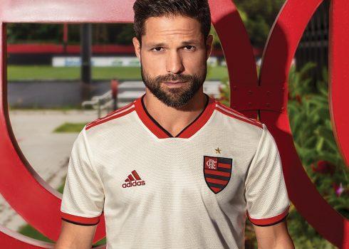 Camiseta suplente del Flamengo 2018/19   Imagen Adidas