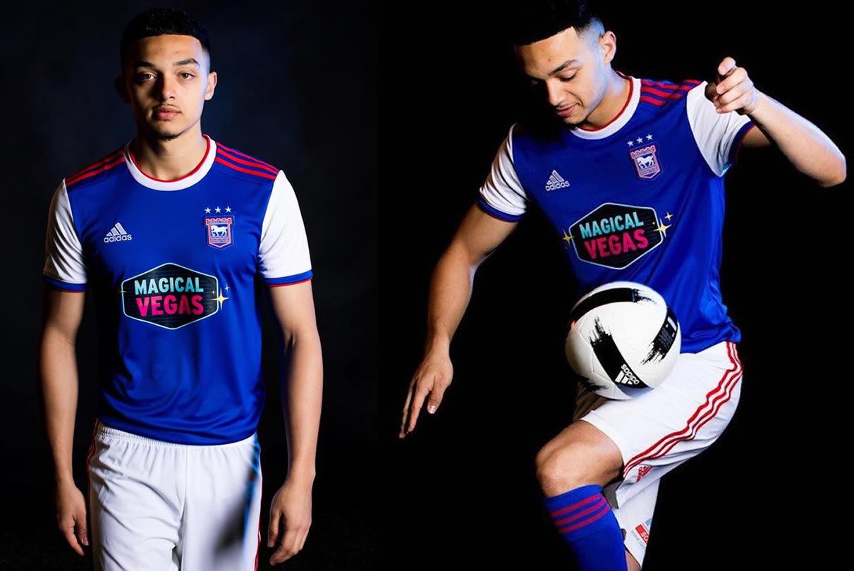 Camiseta titular Adidas del Ipswich Town FC 2018/19   Imagen Web Oficial