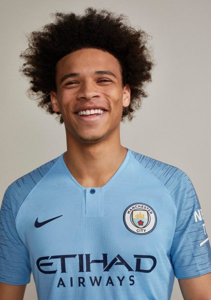 Sané con la camiseta titular 2018/19 del Manchester City | Imagen Nike