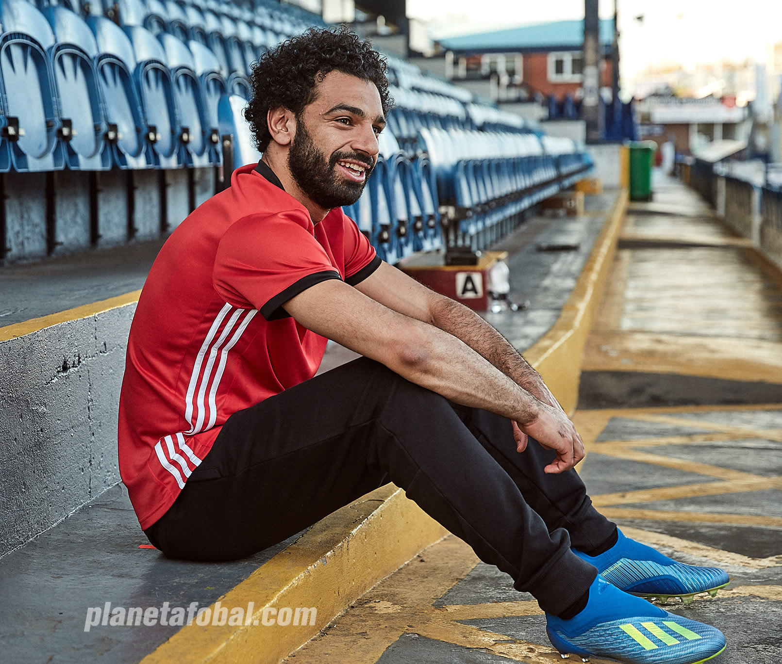"Mohamed Salah con los nuevos botines X18+ ""Energy Mode"" | Imagen Adidas"