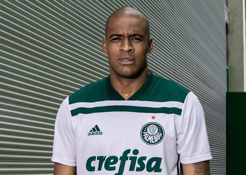 Nueva camiseta suplente del Palmeiras | Foto Adidas