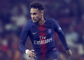 Neymar con la nueva camiseta titular 2018/19 del PSG | Foto Nike