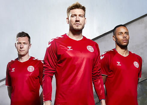 Camiseta titular de Dinamarca Mundial 2018 | Foto DBU