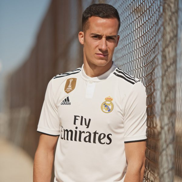 Lucas Vásquez con la camiseta titular 2018/19 del Real Madrid | Imagen Adidas