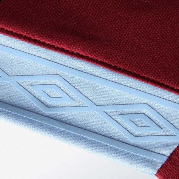 Camiseta titular Umbro del West Ham United | Imagen Web Oficial