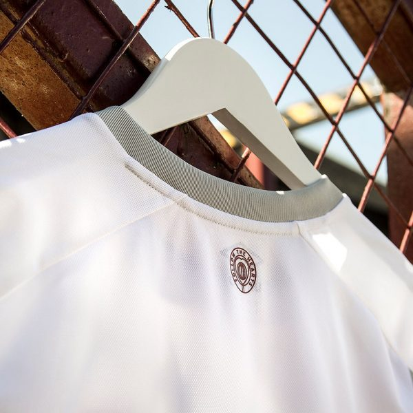 Camiseta suplente Umbro del Heart of Midlothian 2018/19   Imagen Web Oficial