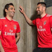 Camiseta titular 2018/19 del Benfica   Imagen Web Oficial