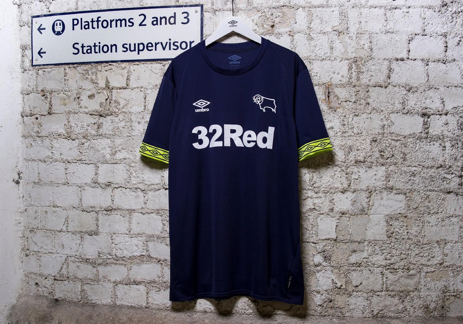 Camiseta suplente Umbro 2018/19 del Derby County | Imagen Web Oficial