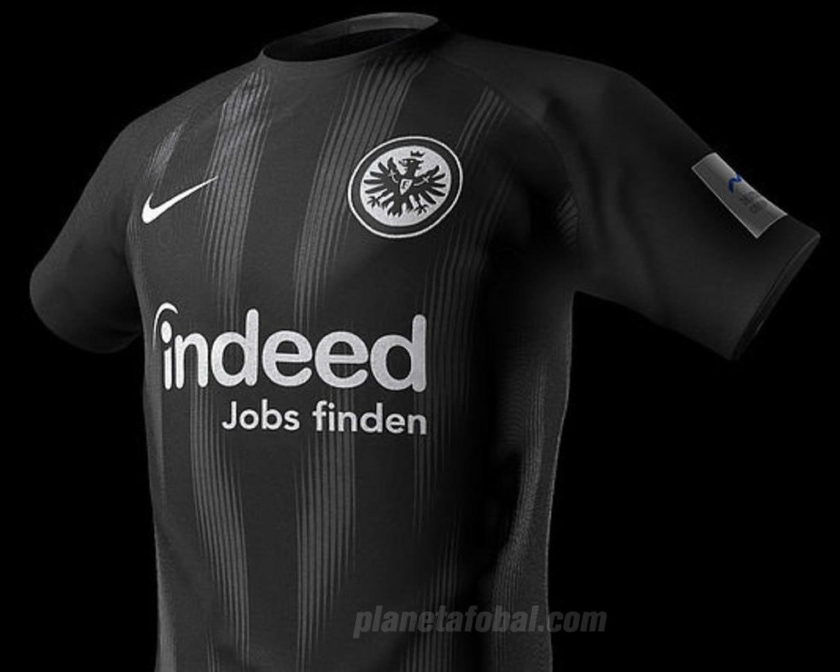Camiseta titular Nike del Eintracht Frankfurt | Imagen Web Oficial