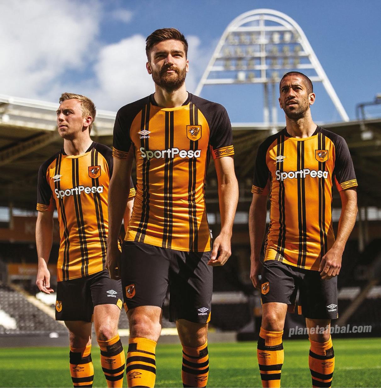 Camiseta titular Umbro 2018/19 del Hull City Tigers | Imagen Web Oficial
