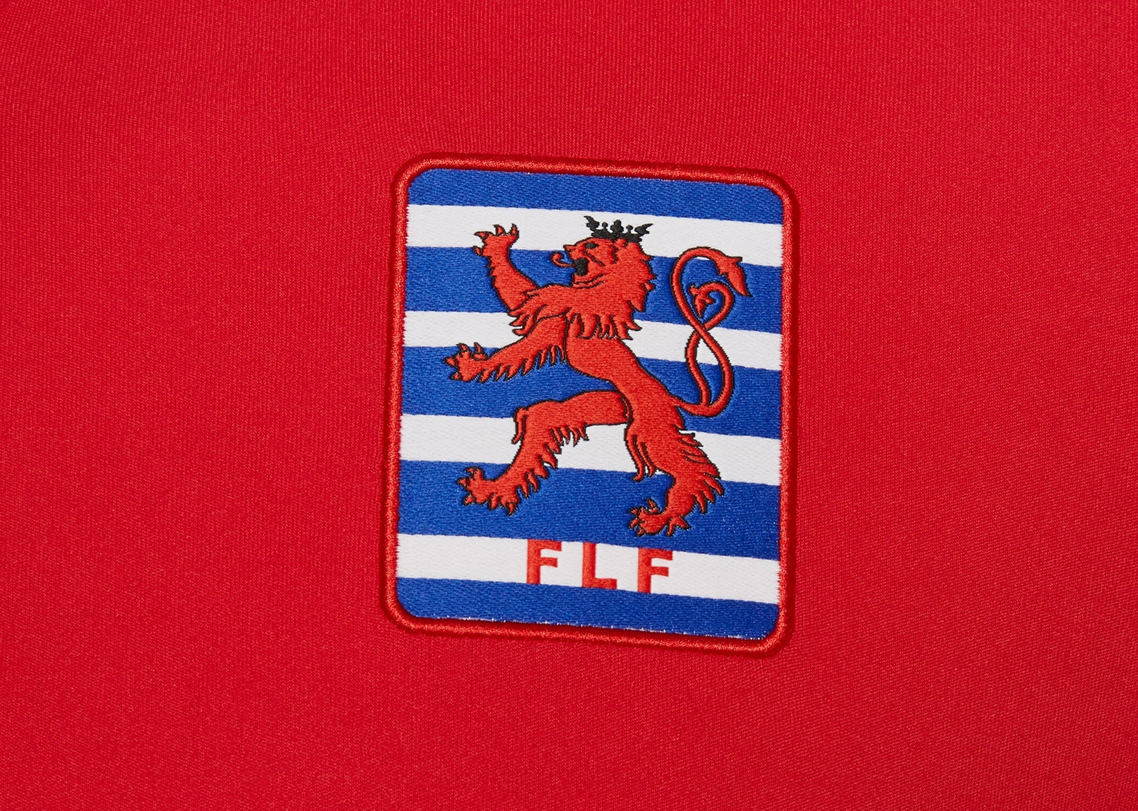Camiseta titular de Luxemburgo 2018/19 | Imagen Macron
