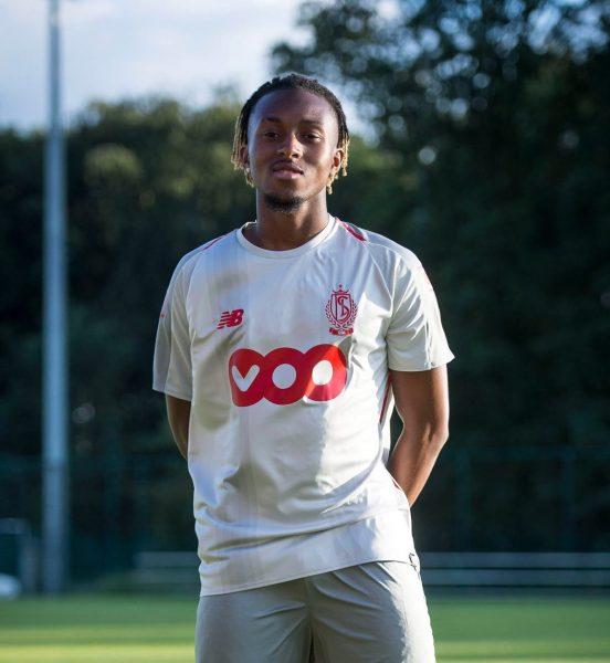 Camiseta suplente New Balance del Standard de Liegè 2018/19   Imagen Twitter Oficial