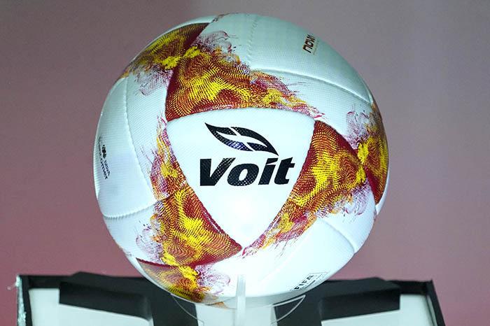 Balón oficial Voit Be The Fire | Imagen Liga MX