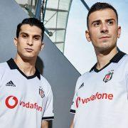 Camiseta titular Adidas del Besiktas 2018/19 | Imagen Web Oficial