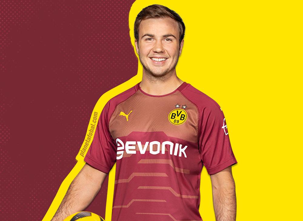 Mario Götze con la tercera camiseta Puma 2018/19 del Borussia Dortmund   Imagen Web Oficial