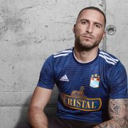 Camiseta visitante 2018/19 del Sporting Cristal | Imagen Facebook Oficial