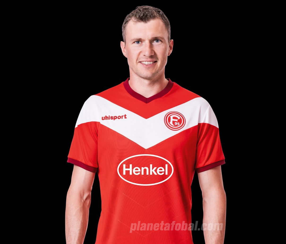 Camiseta titular Uhlsport del Fortuna Düsseldorf 2018/19 | Imagen Web Oficial