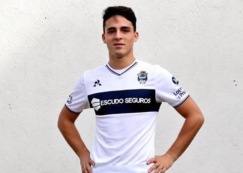 Camiseta titular le coq sportif de Gimnasia LP | Imagen Twitter Oficial