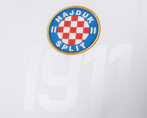 Camiseta titular 2018/2020 del Hajduk Split | Imagen Macron