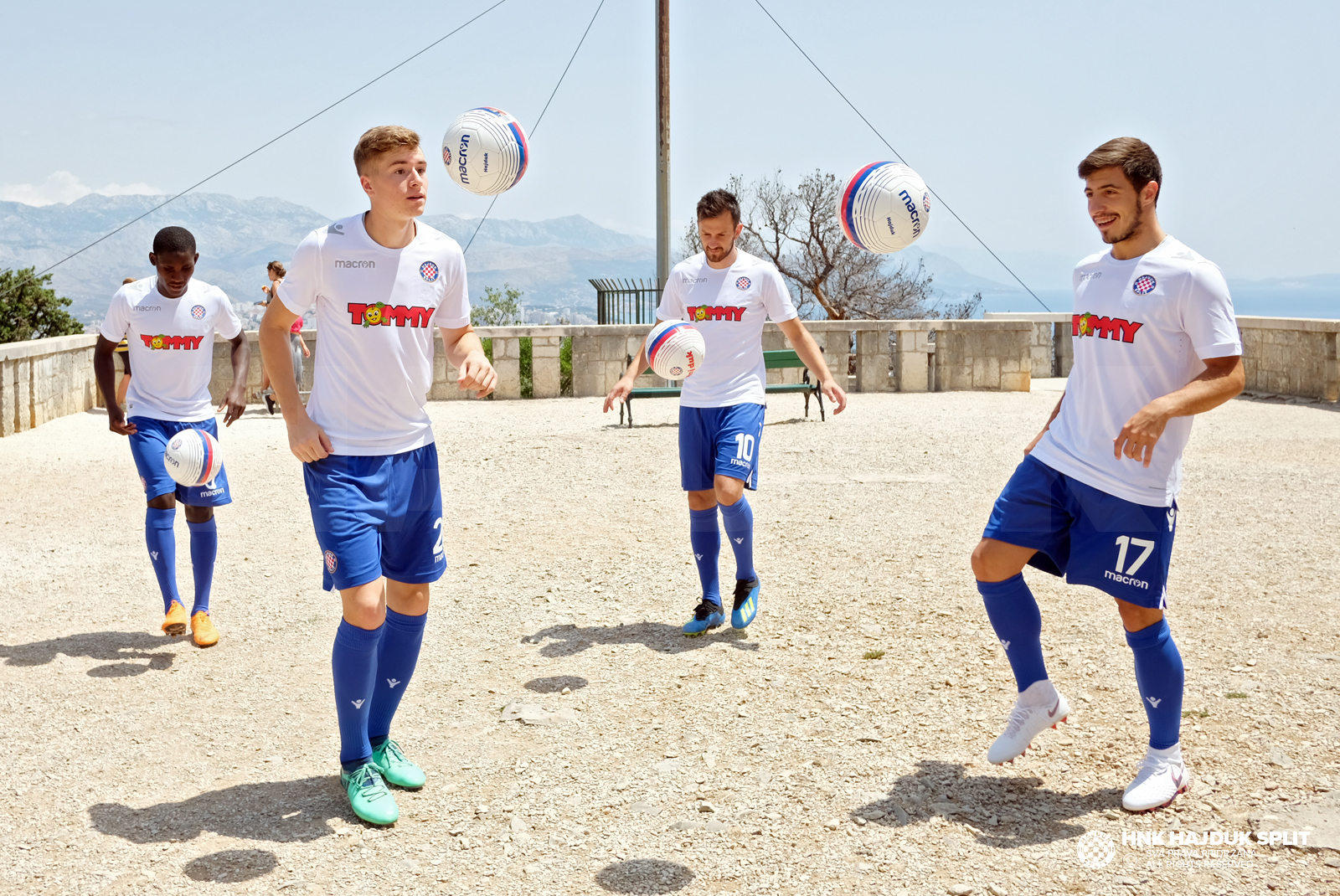 Camiseta titular 2018/2020 del Hajduk Split | Imagen Web Oficial