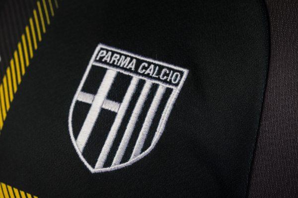 Tercera camiseta Erreà 2018/2019 del Parma Calcio | Imagen Web Oficial