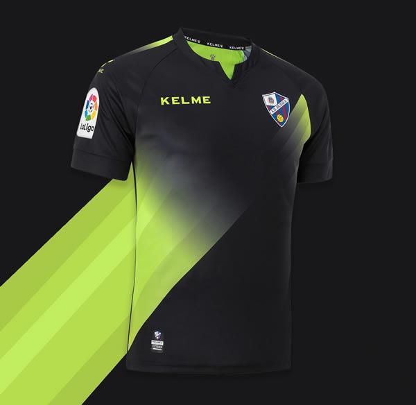 Tercera equipación Kelme del SD Huesca 2018/19 | Imagen Twitter Oficial