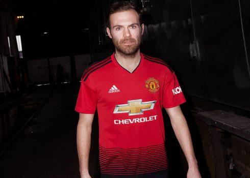 Juan Mata con la nueva camiseta titular del Manchester United 2018/19 | Imagen Adidas