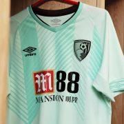 Tercera camiseta Umbro del Bournemouth 2018/2019   Imagen Web Oficial