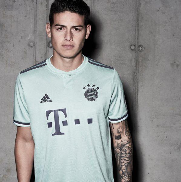 James Rodriguez con la camiseta suplente 2018/19 del FC Bayern München | Imagen Adidas