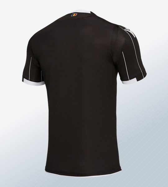 Tercera camiseta 2018/19 del Dinamo de Bucarest | Imagen Macron