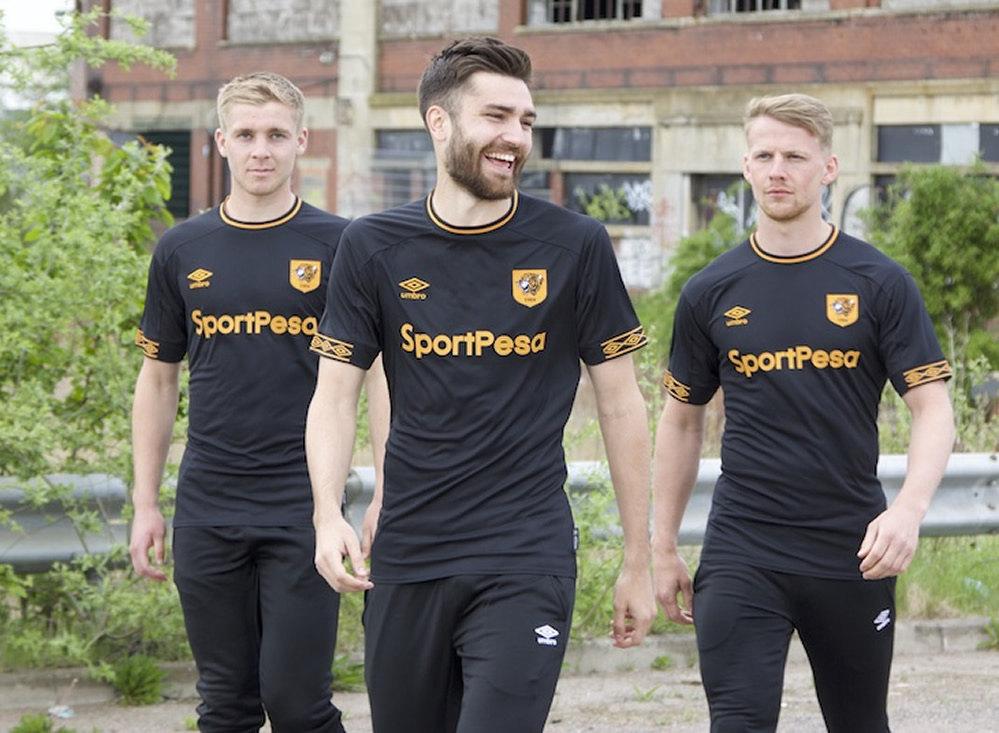 Camiseta suplente Umbro del Hull City | Imagen Web Oficial