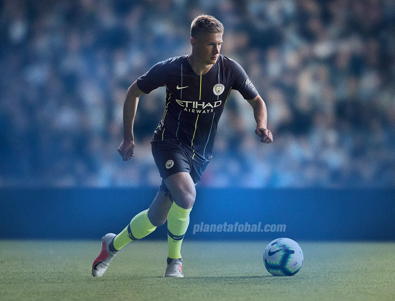 Kevin De Bruyne con la camiseta suplente 2018/19 del Manchester City | Imagen Nike