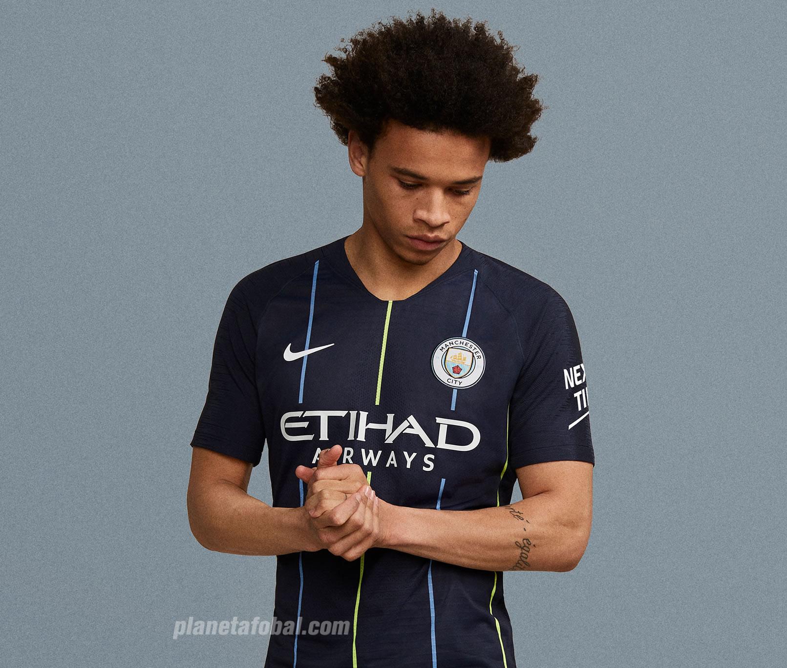 Leroy Sané con la camiseta suplente 2018/19 del Manchester City | Imagen Nike