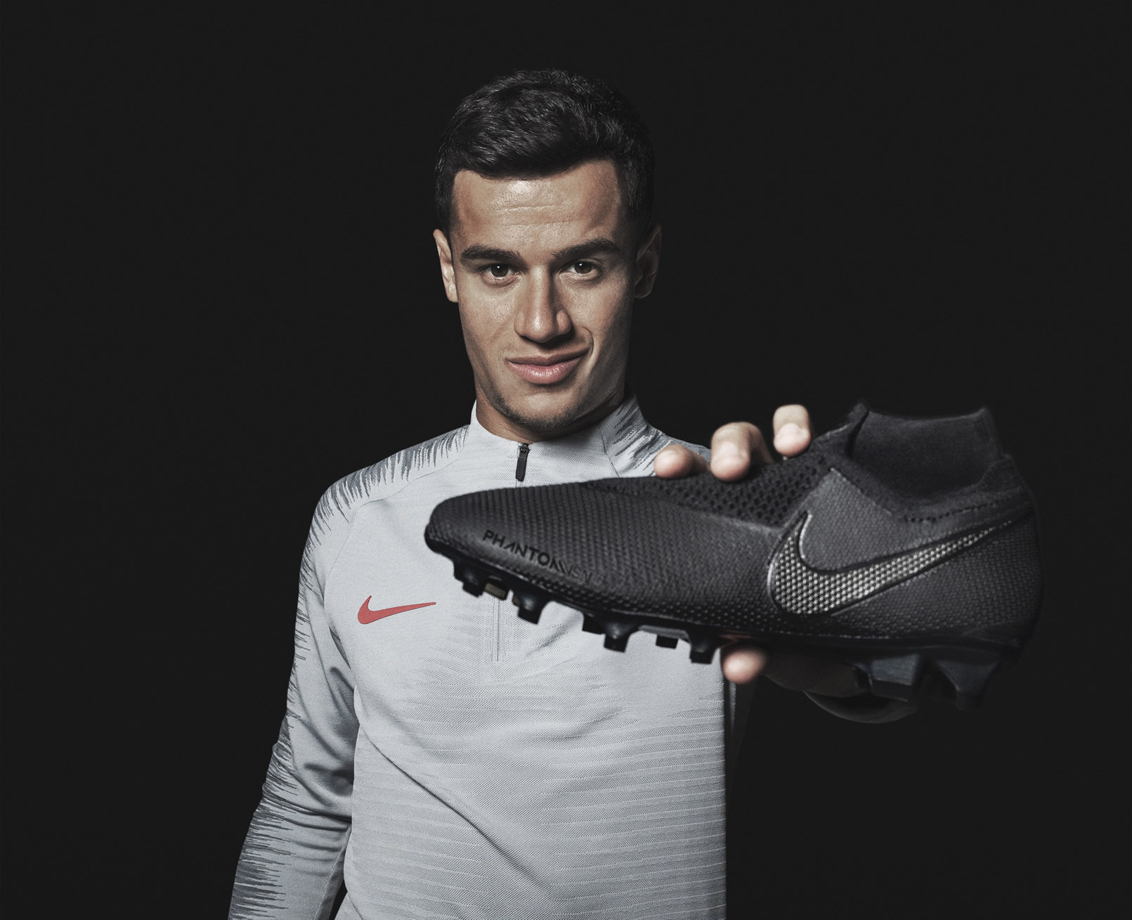 Philippe Couthino con los nuevos botines PhantomVsn | Imagen Nike