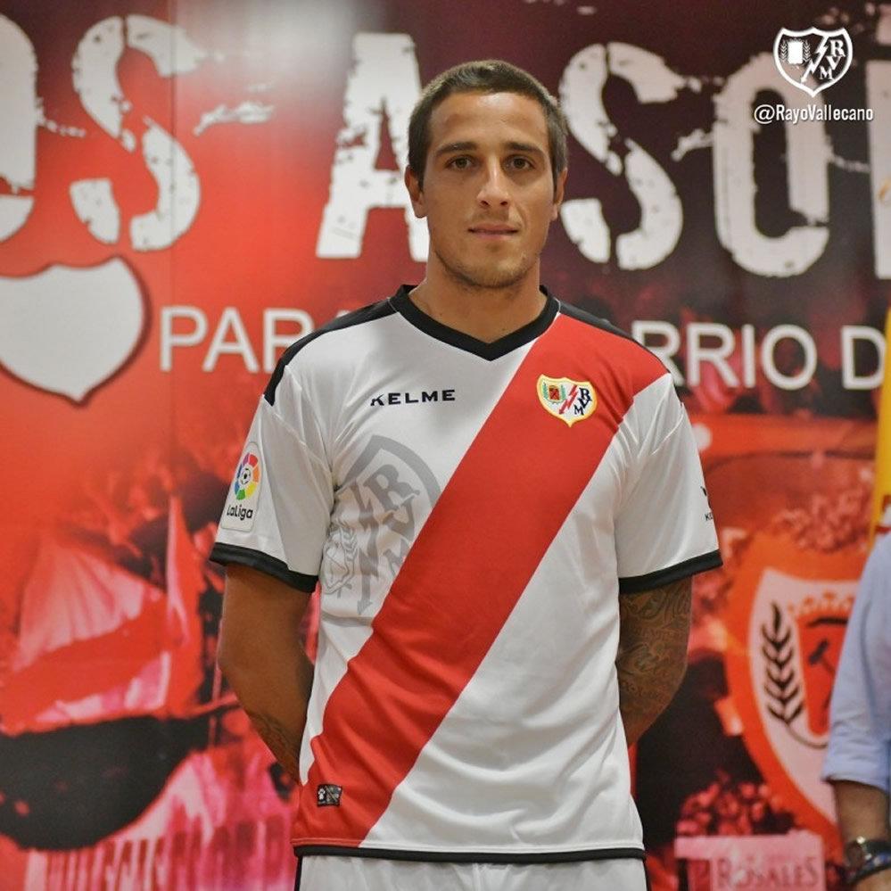 Camiseta titular Kelme del Rayo Vallecano | Imagen Web Oficial