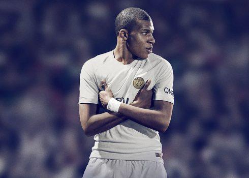 Kylian Mbappé con la nueva camiseta suplente del PSG 2018/19 | Imagen Nike