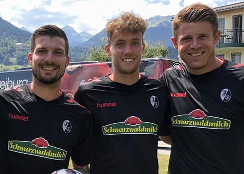 Camiseta suplente Hummel del SC Freiburg | Imagen Web Oficial