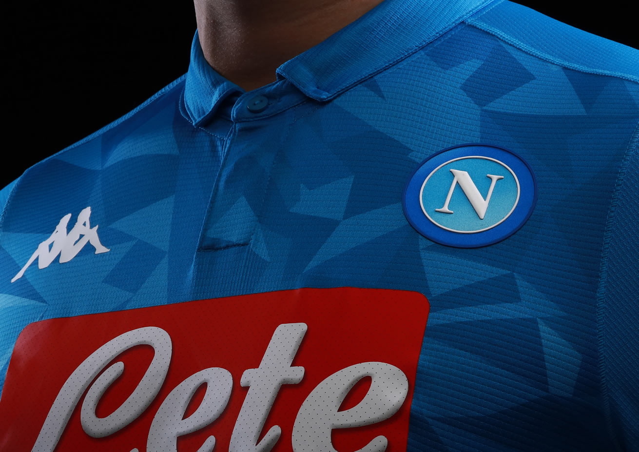 d74d5a46537ca equipacion Napoli futbol