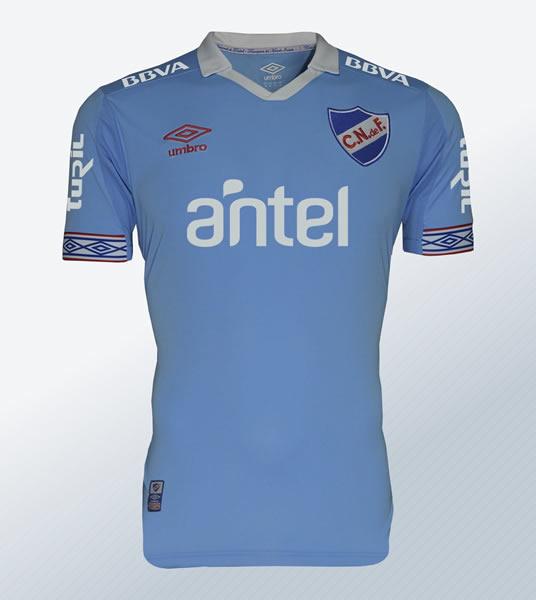Camiseta celeste Umbro de Nacional 2018 | Imagen Twitter Oficial