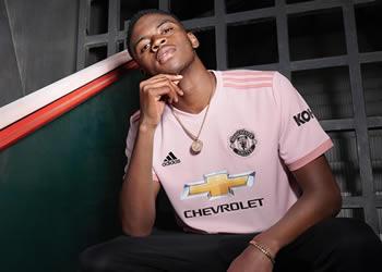 Camiseta suplente 2018/19 del Manchester United   Imagen Adidas