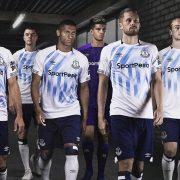 Tercera camiseta Umbro del Everton 2018/19   Imagen Web Oficial