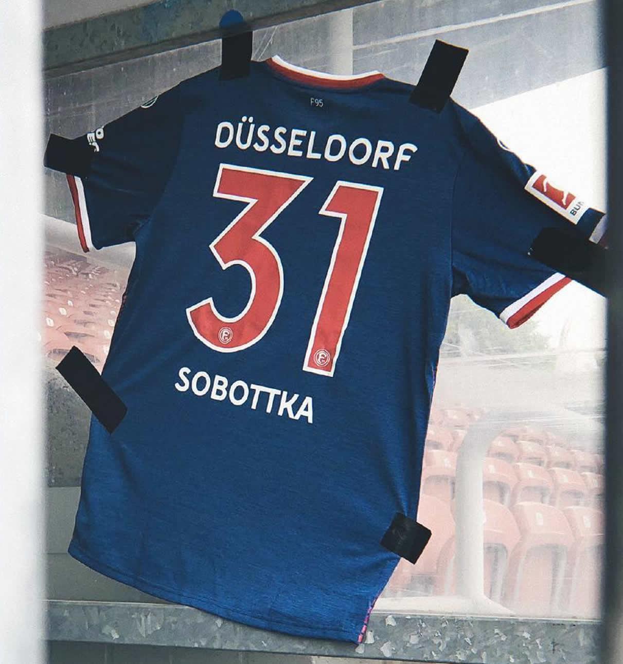 Tercera camiseta uhlsport del Fortuna Düsseldorf | Imagen Instagram Oficial
